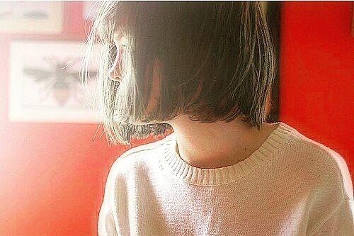 """【割れる・浮く!!】カットだけで""""富士額""""でも前髪を上手に流す・おろす方法"""
